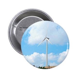 Molino de viento contra el cielo pin redondo 5 cm