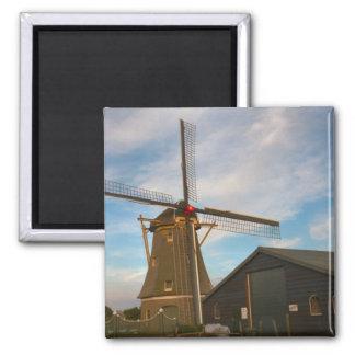 Molino de viento cubierto con paja en Holanda Meri Imán Cuadrado