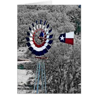 Molino de viento de la bandera de Tejas cerca de Tarjeta Pequeña