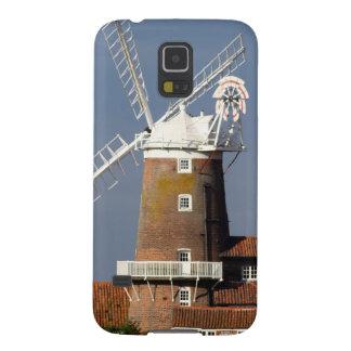 Molino de viento en Cley, Norfolk del norte Fundas De Galaxy S5