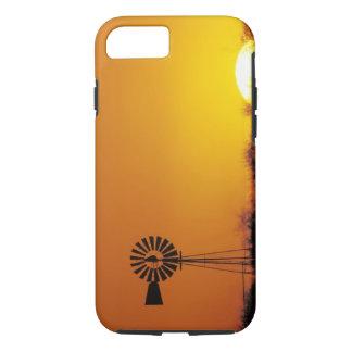 Molino de viento en la puesta del sol, Sinton, Funda iPhone 7
