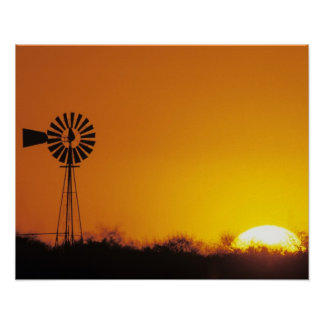 Molino de viento en la puesta del sol, Sinton, Tej Póster