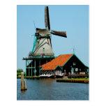 Molino de viento holandés viejo postales