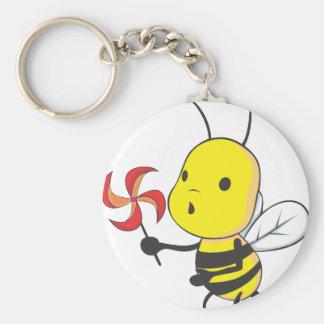 Molino de viento que sopla de la abeja feliz llavero redondo tipo pin