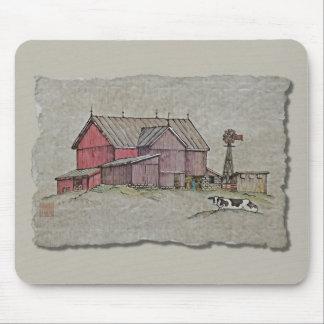 Molino de viento y vaca del granero alfombrillas de ratón