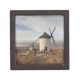 Molinoes de viento antiguos de Mancha del La, con  Cajas De Joyas De Calidad