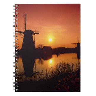 Molinoes de viento en la puesta del sol, Kinderdij Libro De Apuntes Con Espiral