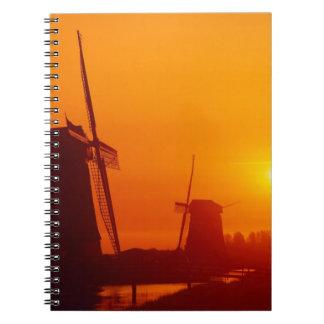 Molinoes de viento en la puesta del sol, Schermerh Libros De Apuntes Con Espiral