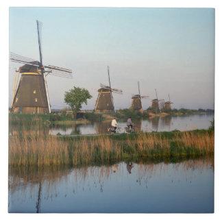 Molinoes de viento, Kinderdijk, Países Bajos Azulejo Cuadrado Grande