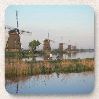 Molinoes de viento, Kinderdijk, Países Bajos Posavaso
