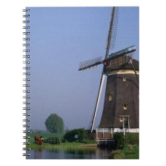 Molinoes de viento, Leidschendam, Países Bajos Note Book