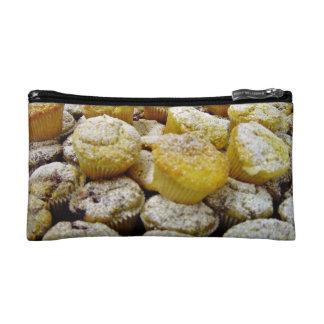 Molletes cocidos frescos en una placa