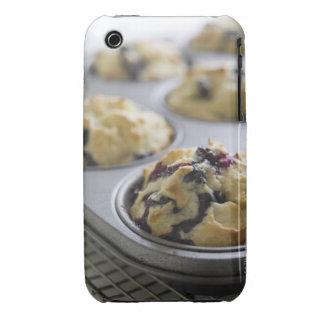 Molletes del arándano en una lata de hornada en un Case-Mate iPhone 3 cobertura