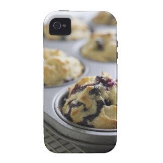 Molletes del arándano en una lata de hornada en un vibe iPhone 4 carcasa