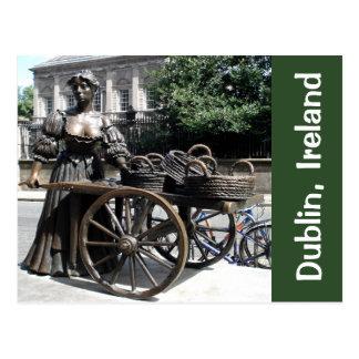 Molly Malone y tarjeta de Irlanda de la estatua de Tarjeta Postal
