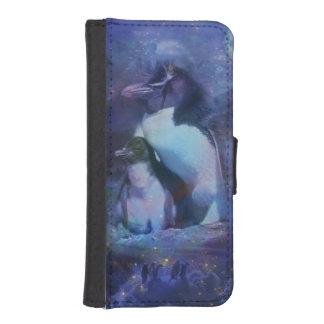 Mom & Baby Penguin in Moonlight iPhone SE/5/5s Wallet Case