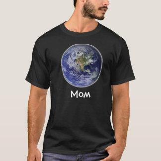 Mom (Earth) Black T T-Shirt