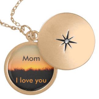 Mom, I love you necklace