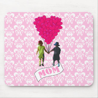 Mom, kids with heart shaped balloons mouse pad