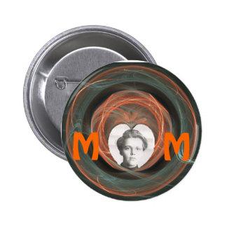 Mom, Maker of Memories Pin