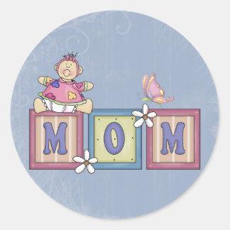 MOM ROUND STICKER