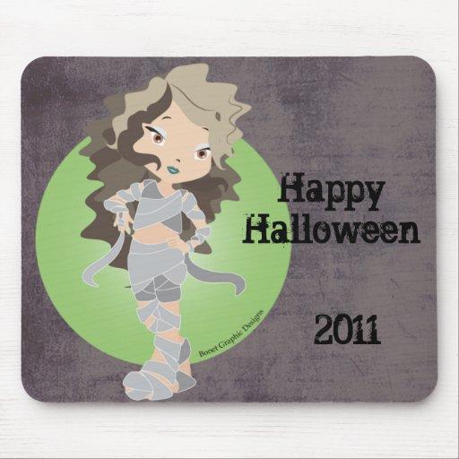 Momia Chibi del feliz Halloween Tapetes De Raton