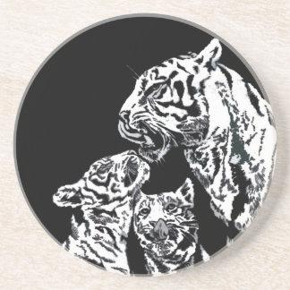 momia del tigre con el práctico de costa de los ca posavaso para bebida
