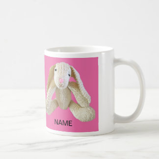 Momia etc. de la hija del presente del conejito taza de café