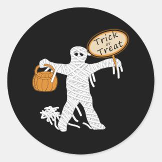 Momia Halloween del truco o de la invitación Pegatina Redonda
