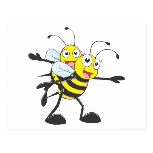 Momia linda de la mamá de la abeja que juega con tarjeta postal