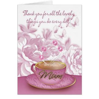 Momia - tarjeta del día de madre con té y flores