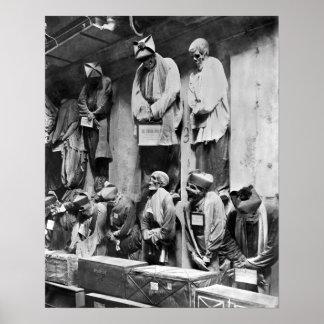 Momias de la catacumba en Palermo, Italia Póster