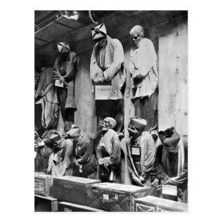 Momias de la catacumba en Palermo, Italia Postal