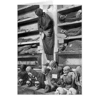 Momias en las catacumbas de Palermo Italia Tarjeta
