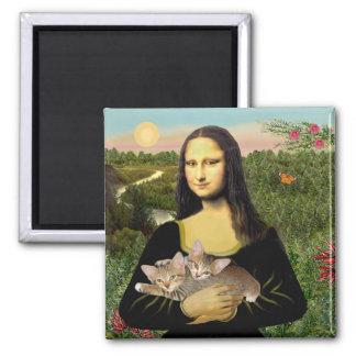 Mona Lisa - dos gatitos del Tabby Imán Cuadrado