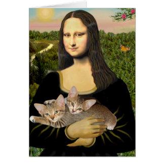 Mona Lisa - dos gatitos del Tabby Tarjetón