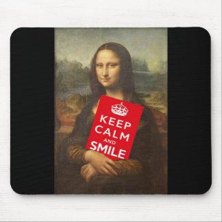 Mona Lisa guarda calma y sonríe Alfombrilla De Ratón