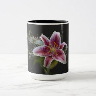 Mona Lisa Lily - Beautiful Flower Mug