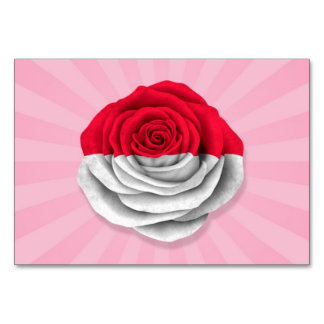 Mónaco subió la bandera en rosa