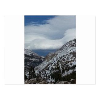 Monarca, nubes de invierno de las montañas rocosas tarjetas postales