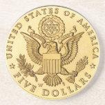 Moneda de oro posavaso para bebida