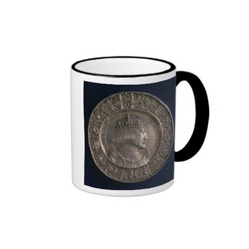 Moneda que lleva el retrato de Charles V Tazas De Café