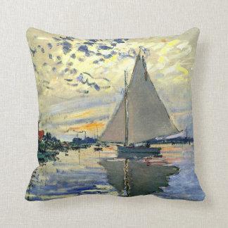 Monet - velero en Le Pequeno-Gennevilliers Cojín
