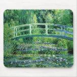 Monet Waterlilies y puente japonés Mousepad