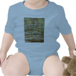 """Monet's """"Bridge Over a Pond of Water Lilies"""" 1899 T-shirts"""