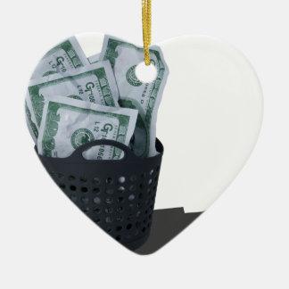 MoneyInLaundryBasket070315.png Adorno Navideño De Cerámica En Forma De Corazón