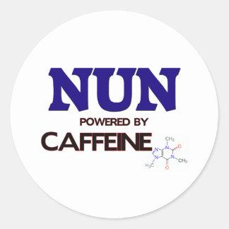 Monja accionada por el cafeína pegatina redonda