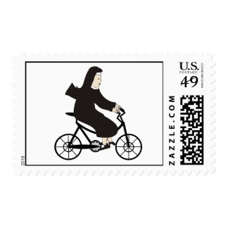 Monja en sellos de la bici