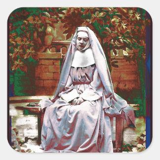 Monja francesa en el jardín de la reflexión pegatina cuadrada