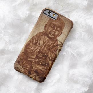 monje de rogación joven del Buddhism - estilo Funda Barely There iPhone 6